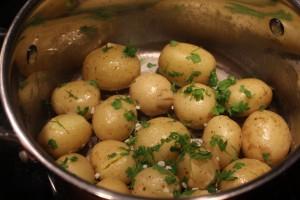 Smørstegte kartofler med kørvel